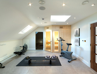 Palestra in casa il kit per chi ama il fitness fatto in casa - Palestra a casa attrezzi ...