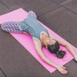 stretching ragazza girl